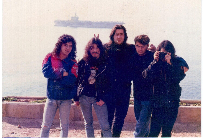 1990-11-25 Pentagram konser öncesi, cenk-aptul-bartu-jan peridar