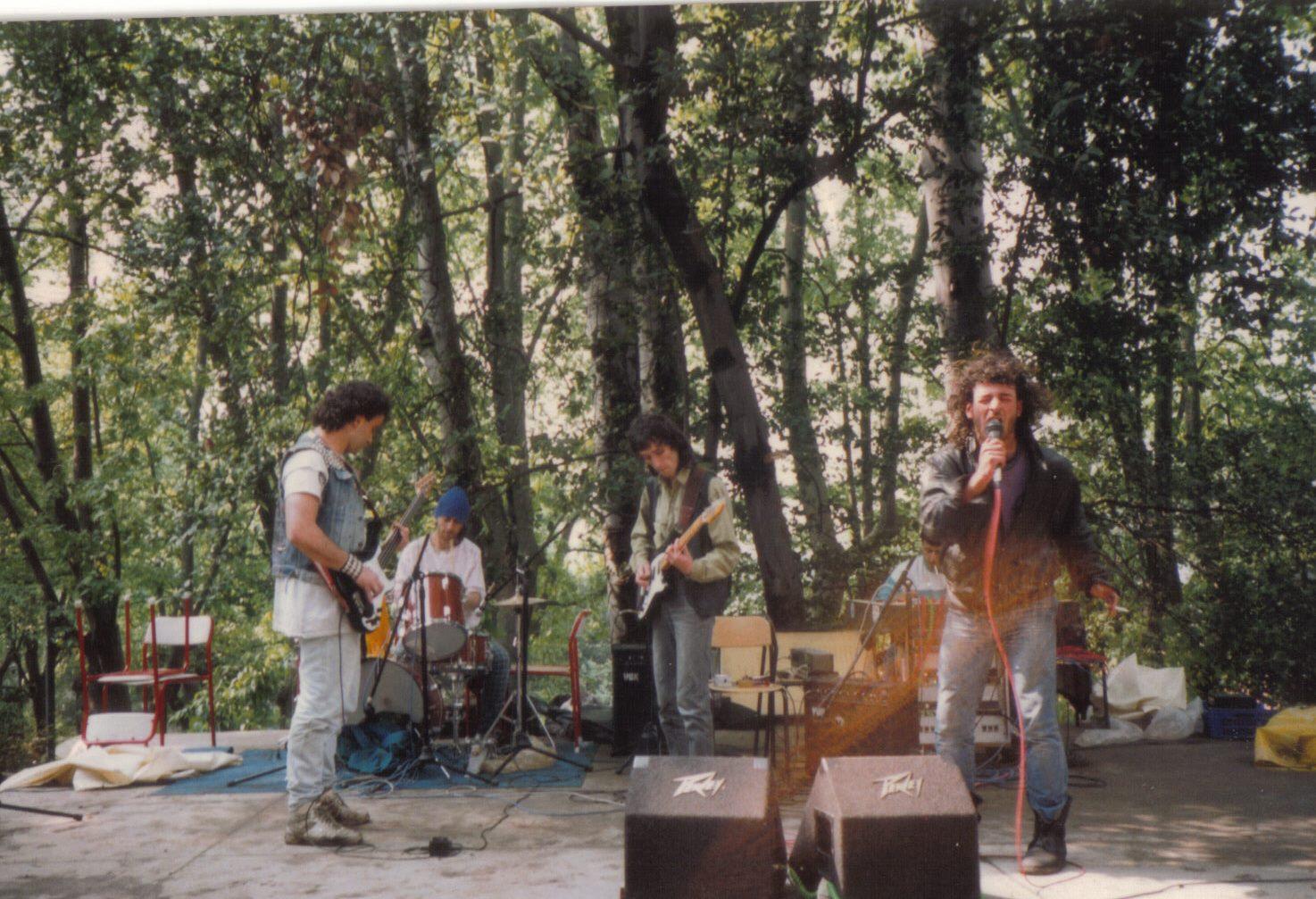 1989-05-06 Headbangers (Gülhane Parkı) (1)